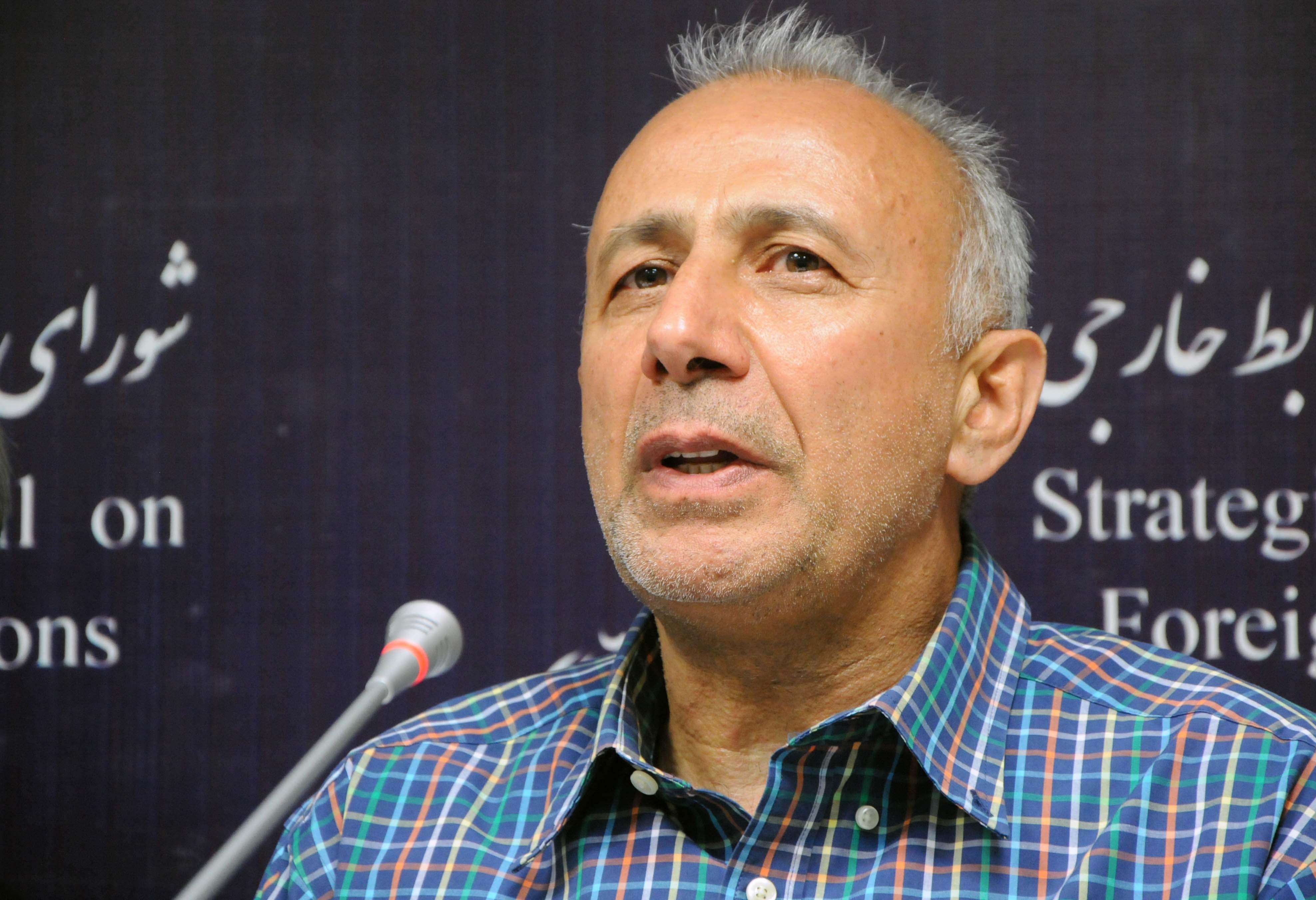 دکتر ابراهیم متقی، استاد دانشگاه تهران