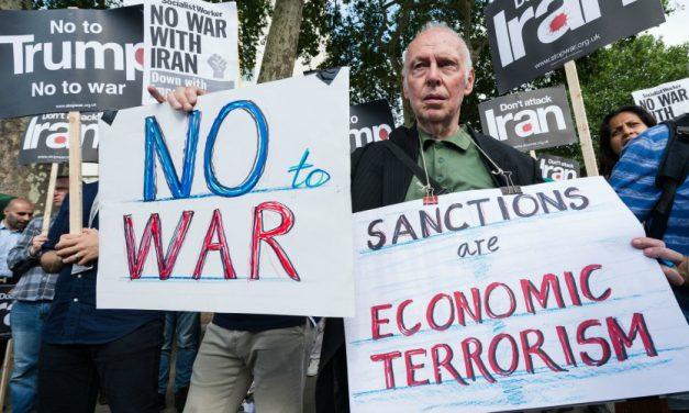 مخالفت با اقدام نظامی علیه ایران