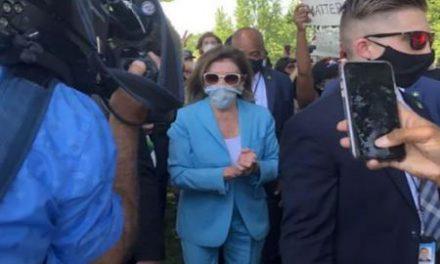 رسانه ها: پیوستن رئیس مجلس نمایندگان آمریکا به جمع تظاهرکنندگان و…