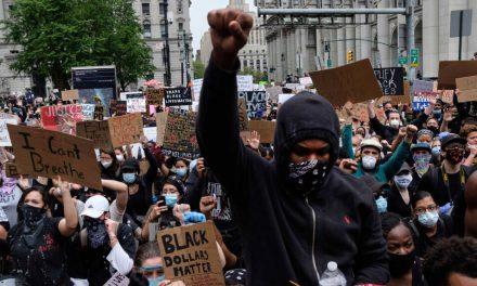 رسانه ها ؛ بازگشت معترضان رنگین پوست به خیابان های آمریکا و…