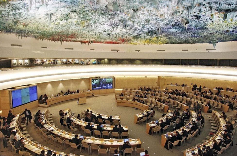 تعارضات حقوق بشری جمهوری اسلامی ایران و غرب: داستان تکراری یکسانسازی اجباری