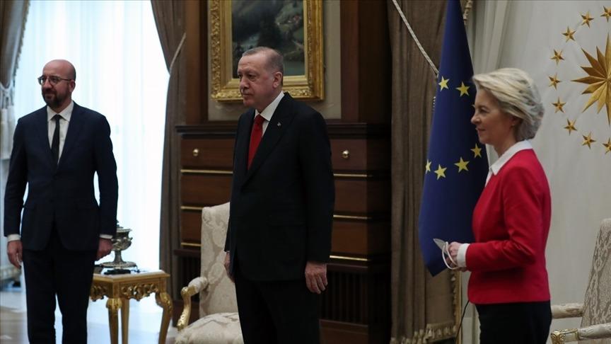 سیاست چماق و هویج اتحادیه اروپا در قبال ترکیه